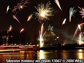Silvesterfeuerwerk bei Koblenz am Rhein